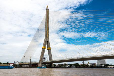praya: The Rama VIII bridge over the Chao Praya river in Bangkok