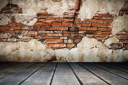 brique: Pl�tre fissur� brique de vieux murs et planchers de bois
