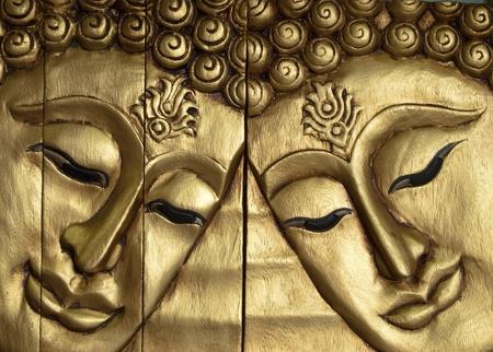 buda: Buda doble enfrenta madera tallada pintada de oro