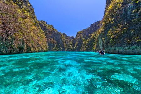 Beautiful Ao Pi Leh is snorkeling point famous tour lagoon in Phi Phi Islands,Thailand Zdjęcie Seryjne