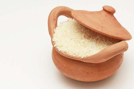 jasmine rice: Arroz jazm�n en una olla