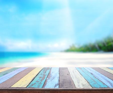 テーブル トップと背景のぼかし自然