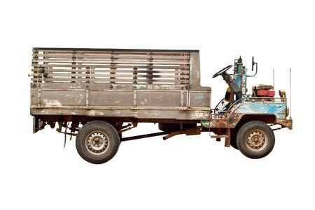 흰색에 고립 된 오래 된 농업 트럭