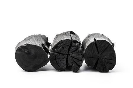 白い背景に分離された炭