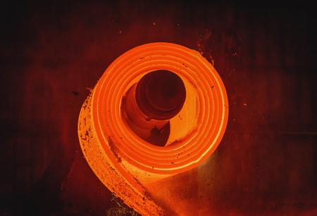 fabrication de l'acier laminé à chaud dans l'industrie sidérurgique