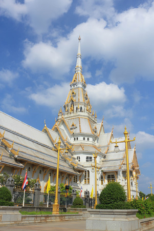 reconstruct: WAT sothorn wararam worrawiharnn  formerly known as Wat Hong Temple built in the late Ayutthaya period. In the reign of King Narai. It is enshrined Luang Por Buddhasothorn Invaluable Buddha of Chachoengsao