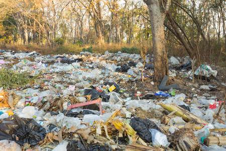 THAILAND,BURIRAM - FEBRUARY 2,2021 :Rural wastes that lack good management and cause environmental pollution. 新闻类图片