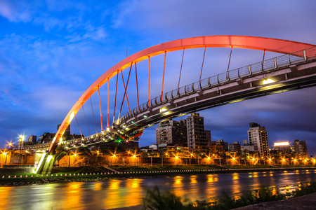 exterior architecture: Taiwan Taipei Landmark rainbow bridge