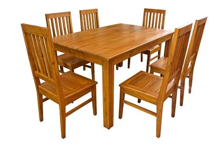 tabulka: Jídelní stůl a židle na bílém pozadí