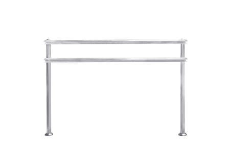 baranda para balcon: barandilla de acero inoxidable aislado en blanco
