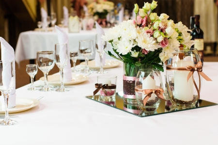 wedding table decor: Festive table setting for wedding or other event Stock Photo