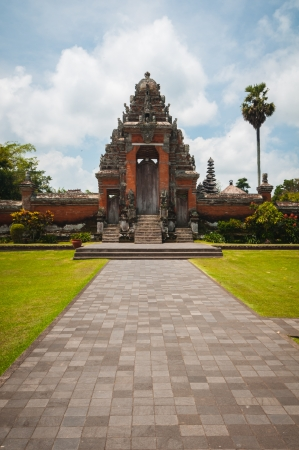 Main gate to Pura Taman Ayun - hindu temple near Mengwi, Bali, Indonesia Stock Photo - 17429141