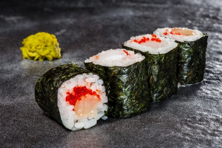 hotate: Hotate maki rolls with scallop with wasabi on back front