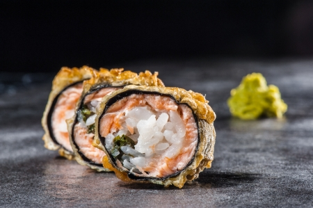 Hot tempura roll with salmon, scallop and shitake