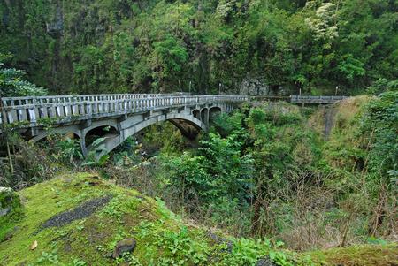 ハナ マウイ島、ハワイへの道橋 写真素材
