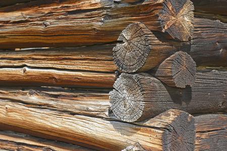 Detail op oude blokhut in verlaten mijnstad, westen van de VS