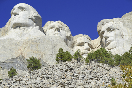 lincoln memorial: Mount Rushmore National Memorial, symbol of America located in the Black Hills, South Dakota, USA Editorial