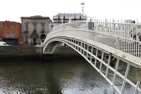 liffey: Hapenny bridge on River Liffey, Dublin, Ireland