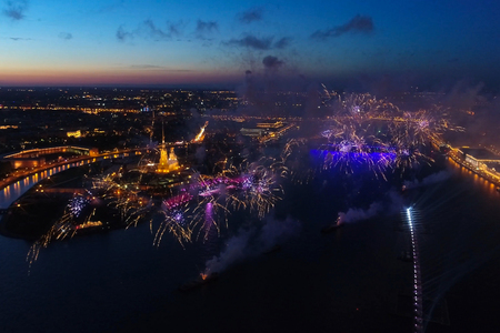 Salute Scarlet Sails. The festive salute is grandiose. Fireworks pyrotechnics. Imagens