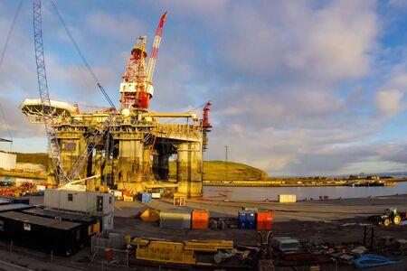 UKC, North Sea - December 18, 2019: Drilling platform in the port. Towing of the oil platform. Sajtókép