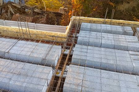 Construction of inter-storey floors during the construction of an apartment building. Empty floors. Stok Fotoğraf