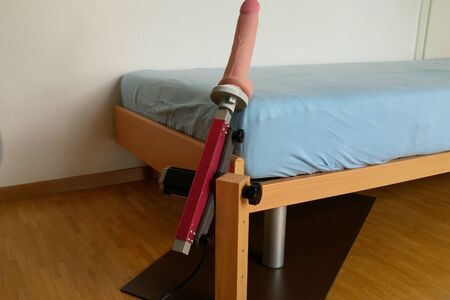 Mechanism for sex games attached to the bed
