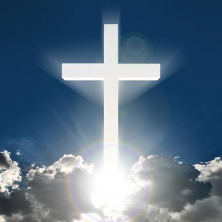 빛나는 구름 위의 3d 밝은 흰색 십자가 스톡 콘텐츠