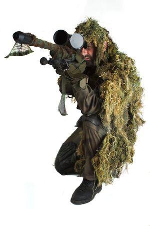 snajper: Sniper ghillie jest ubrany w garnitur. Zdjęcie Seryjne