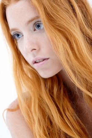 pelirrojas: Primer retrato de la belleza facial pelirroja natural. Foto de archivo