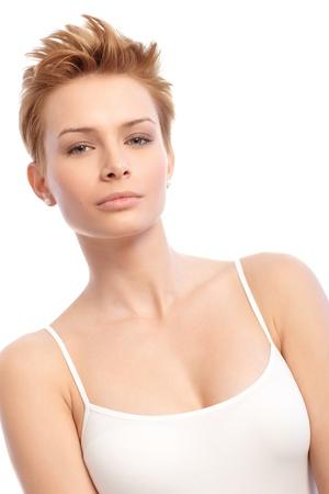 hair short: Bellezza colpo di giovane donna attraente con i capelli corti alla moda. Archivio Fotografico