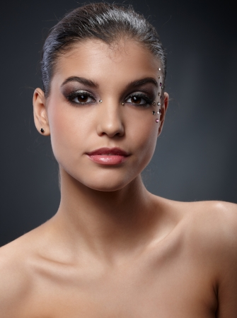 Elegant beauty with perfect sparkly makeup for party. Stock Photo - 16117532