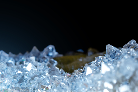 Macro shooting of natural gemstone. The raw mineral is quartz, . Banque d'images