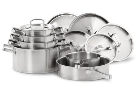 steel pan: De acero inoxidable ollas y sartenes aisladas sobre fondo blanco