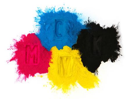impresora: Copiadora color de tóner cian magenta amarillo, negro aislado en blanco Foto de archivo