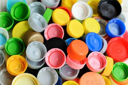 reciclable: cubiertas de plástico reciclables