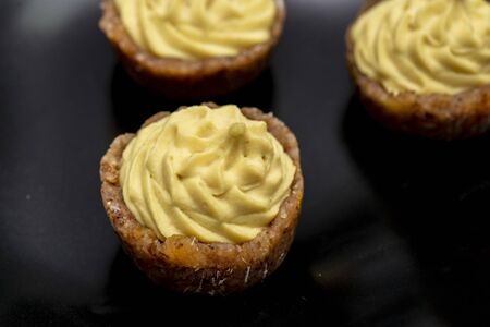 Mini raw vegan brioche with lemon and mint, a healthy and tasty dessert