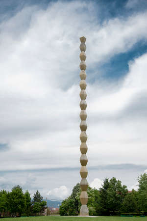 Hailed as one of the great works of twentieth-century sculpture, Endless Column by Constantin Brancusi (1876-1957) was commissioned by the Women's League of Gorj to honor the soldiers 写真素材