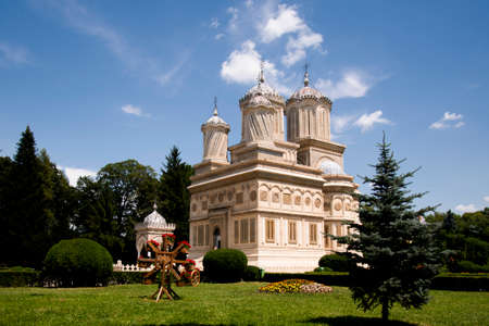 The Cathedral of Curtea de ArgeÈ™,early 16th century, is a Romanian Orthodox cathedral in Curtea de ArgeÈ™, Romania. It is located on the grounds of the Curtea de ArgeÈ™ Monastery 写真素材
