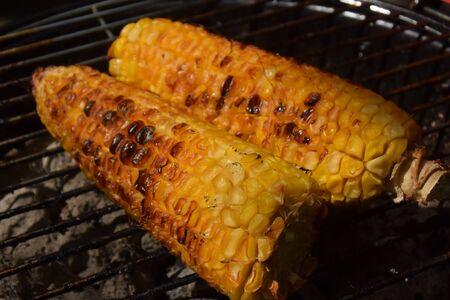 grill corn on the cob Stockfoto