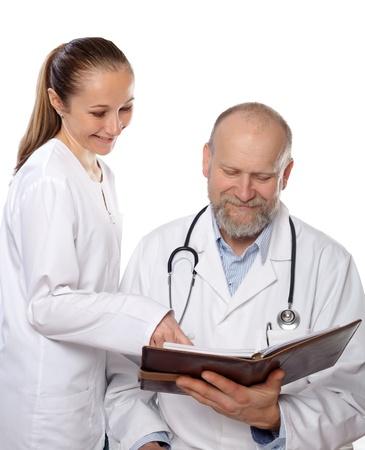 estudiantes medicina: Reunión entre los médicos para discutir el diagnóstico o tratamiento de un caso