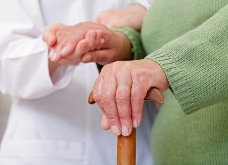 Ältere häusliche Pflege haben kulturelle und geografische Unterschiede