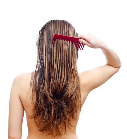 back straight: Comb your hair delicately after washing hair