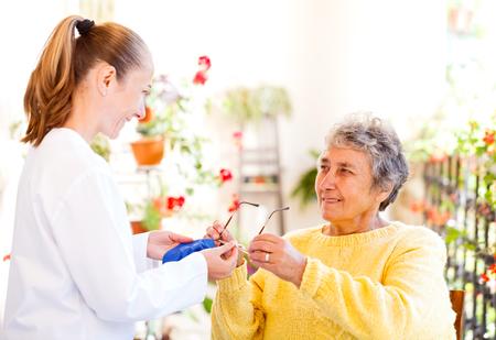 Finden Sie den richtigen Altenpfleger für Ihre Liebsten