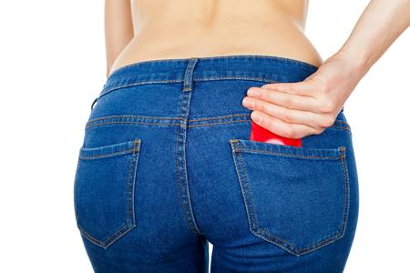 Voor een veilige seks vergeet niet om condoom te gebruiken Stockfoto