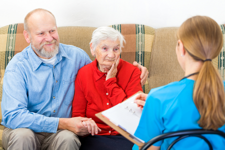 photo story: Photo of elderly woman tells a story for the doctor