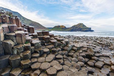 Columnas de basalto de Calzada de los Gigantes en Irlanda Foto de archivo - 53819785