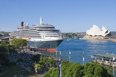 docked: Cruise ship Queen Victoria of the cunard ship fleet docked in Sydney Harbour ( harbor) on a beautiful Blue Day , February 24th 2008. Stock Photo