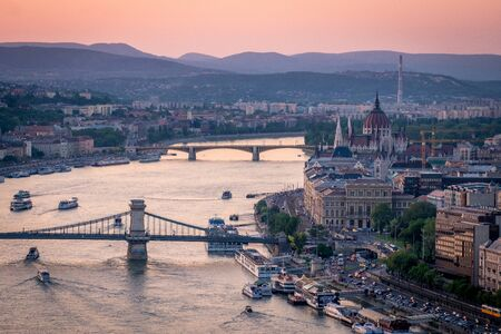 Aerial evening view of Budapest and the Danube river from Gellert hill 스톡 콘텐츠
