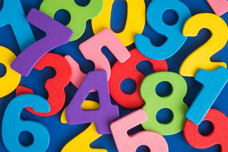 Colorful numbers background minimal creative concept. Foto de archivo - 118613364