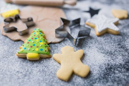 Baking ingredients and cooking equipment for Christmas cookies and gingerbread. Banco de Imagens